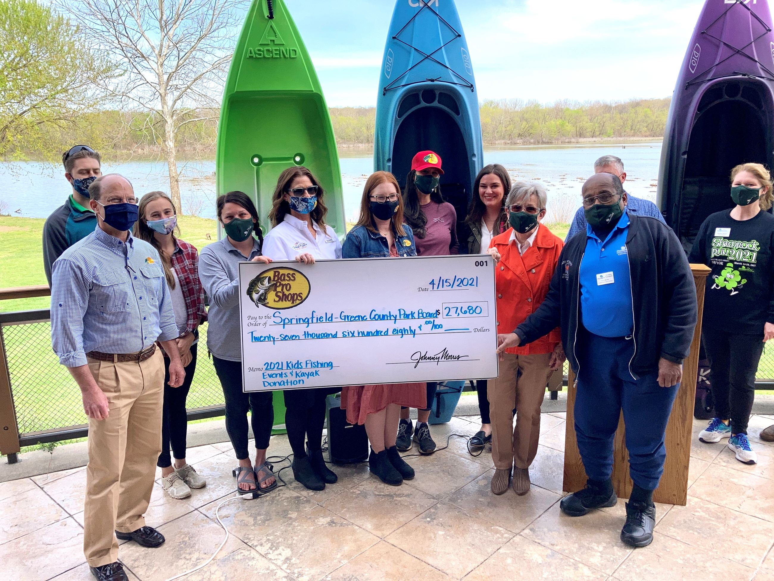 Kayak and check presentation