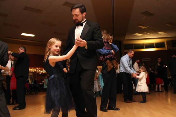 Frozen in Time 2015 Daddy Daughter Dance 7